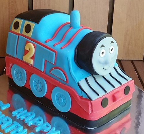 Howtocookthat cakes dessert chocolate 3d thomas train cake just a quick note for those who may want to have a smaller cake 20 servings i printed the template in 75 scale and it worked perfectly pronofoot35fo Images