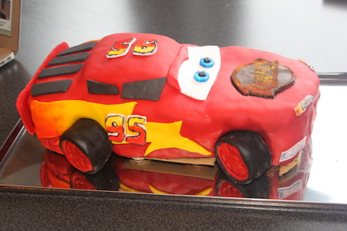 Lightning mcqueen birthday cake template free Cakes and pastries