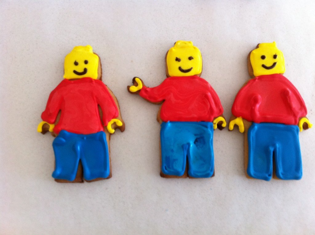 lego man biscuits