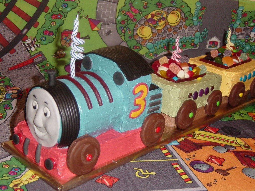 how to make a thomas the tank engine kids birthday cake recipe how to cook that ann reardon