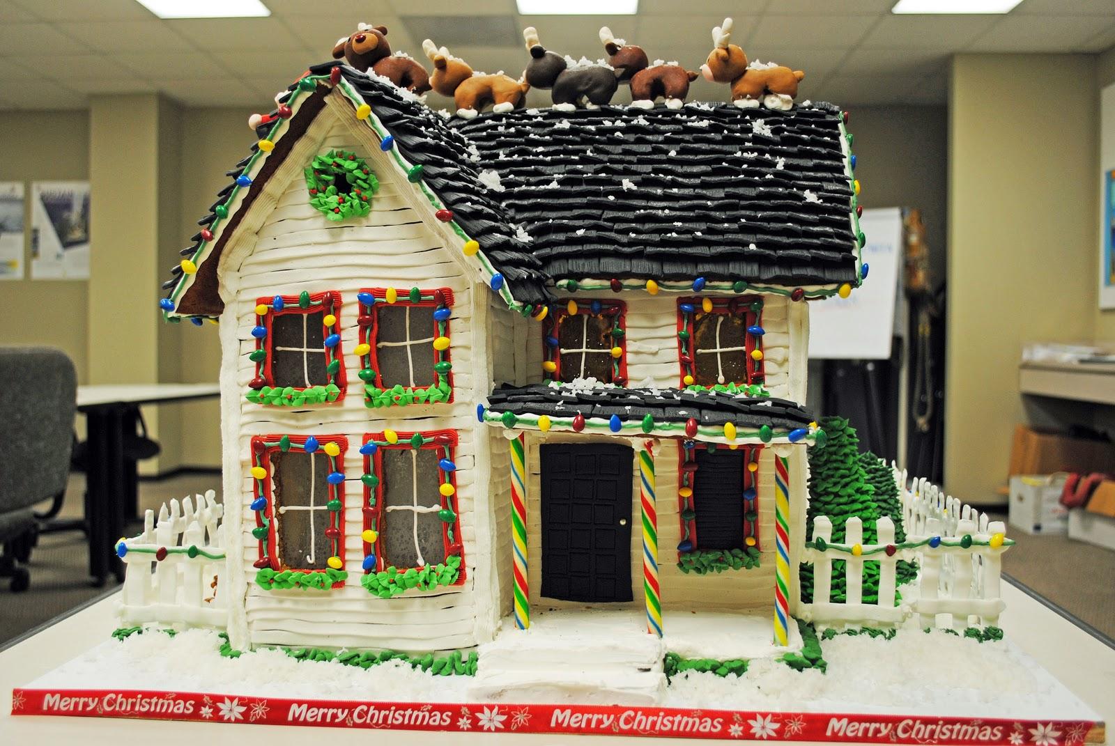 Gingerbread house door decorating ideas