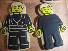 luke skywalker lego cookies