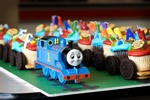 thomas the tank engine cup cake train