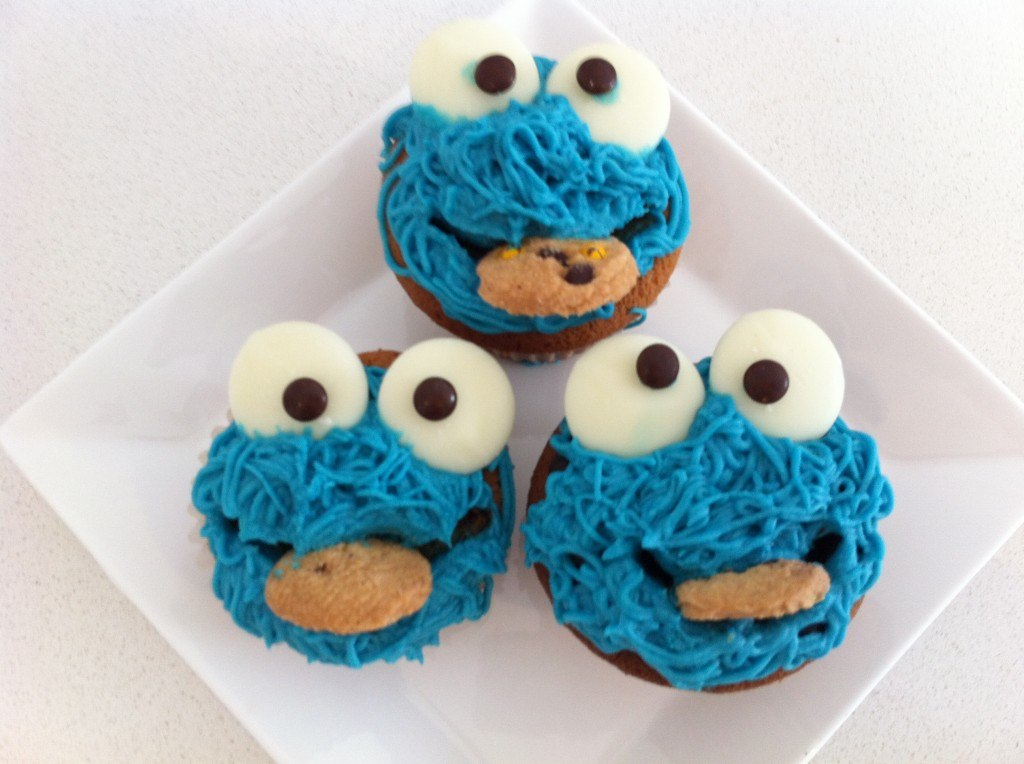 easy cookie monster cupcakes