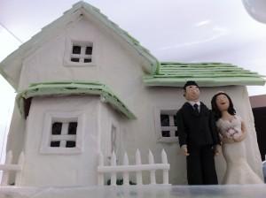 wedding cake gingerbread house by ann reardon