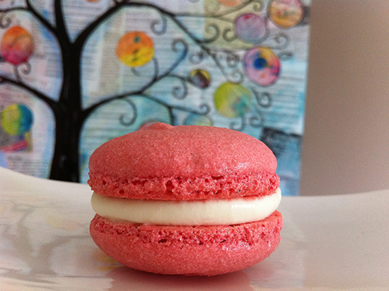 french macaroon strawberry and cream