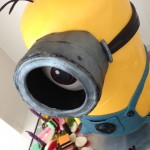 minion cake despicable me 2