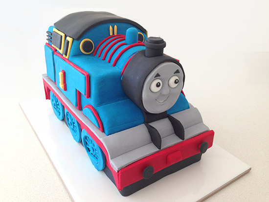 thomas train cake tutorial
