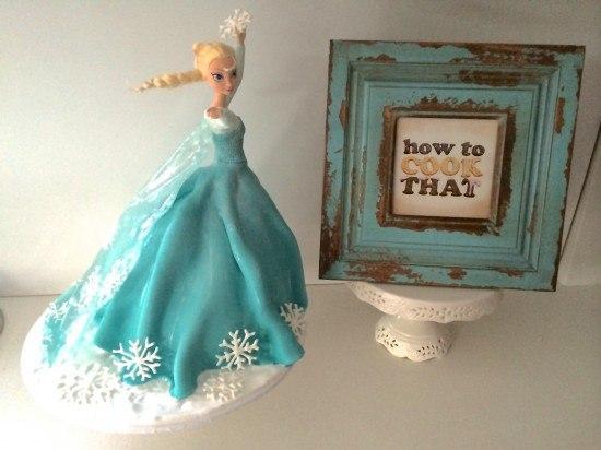 Frozen Elsa Cake video tutorial Ann Reardon