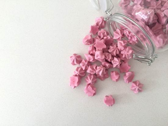 raspberry meringue kisses recipe