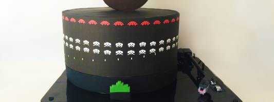 space invaders cake pixels movie
