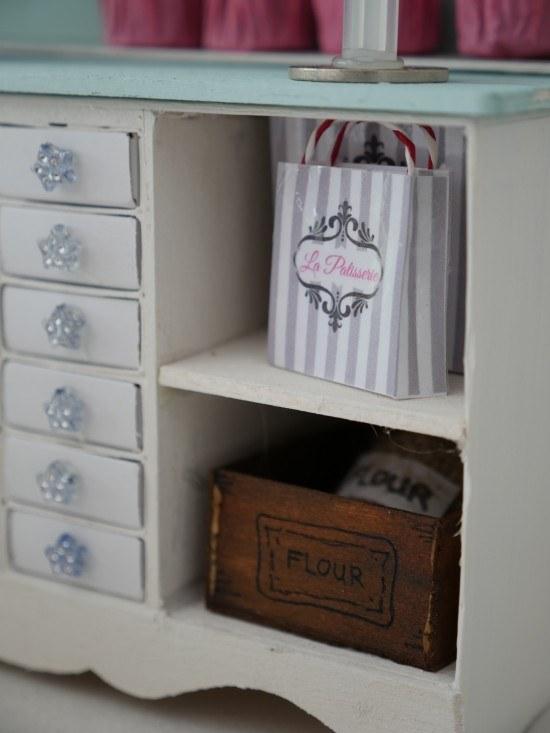 doll house free printable bakery