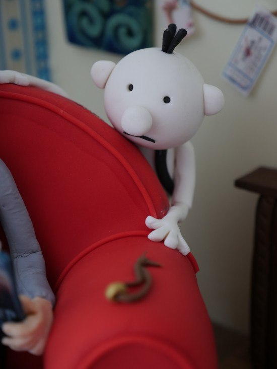 diary of a wimpy kid book cake reardon
