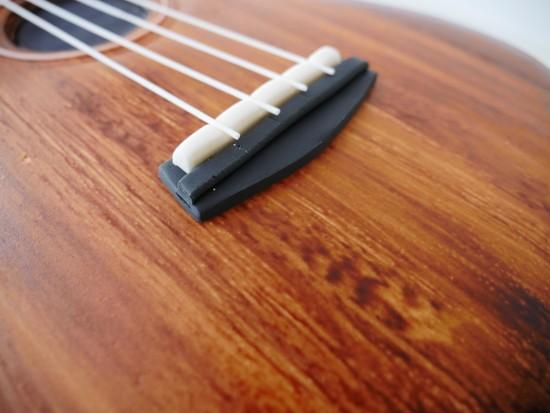 wood grain guitar cake