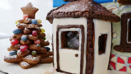 gingerbread house cut ann reardon