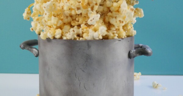 Gravity Defying Popcorn Cake & Kitchen Aid Stand Mixer Giveaway -...