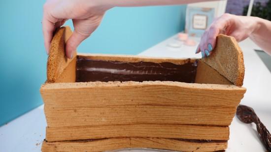 fortnite treasure chest cake