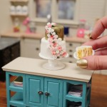 mini wedding cake dollhouse