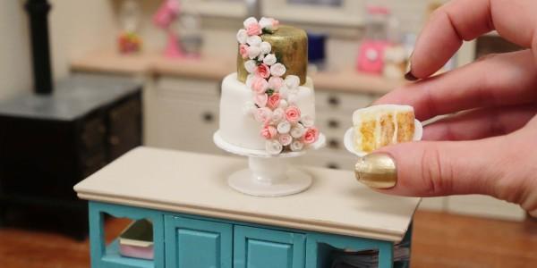 mini wedding cake dollhouse