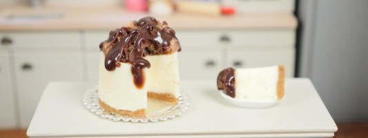 miniature cheesecake dollhouse