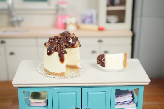 miniature cheesecake dollhouse