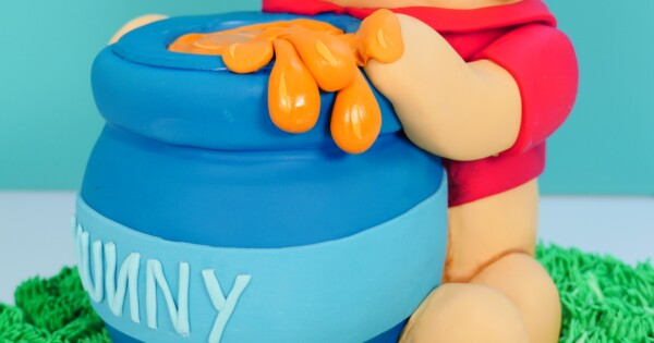 Winnie the Pooh cake - HowToCookThat : Cakes, Dessert & Chocolate