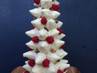 christmas tree cake macaron tower