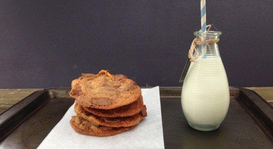 chewy chocolate chip pretzel cookies