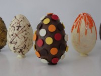 make easter eggs at home
